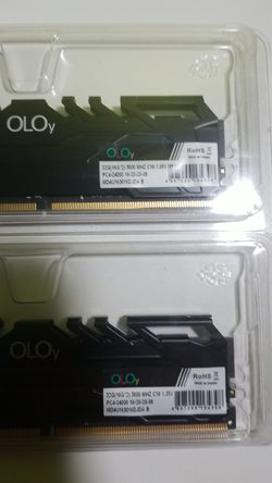 OLOY 32 RAM MHz.3000 for Sale in Boston,  MA
