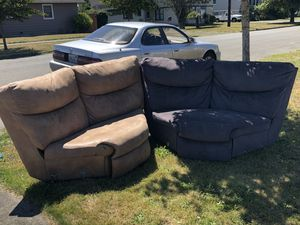 Free sectional couches for Sale in Hoquiam, WA