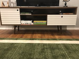 """Tv Stand- Holds up to a 65"""" for Sale in Silver Spring, MD"""