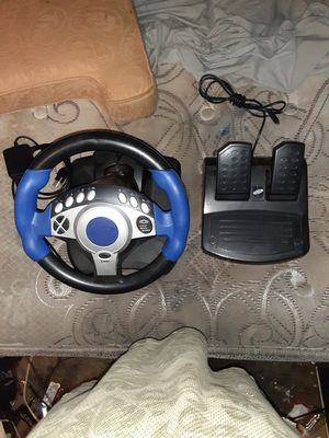 INTEC STEERING WHEEL FOR PS2 and XBOX for Sale in Dallas, TX