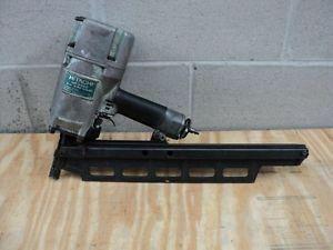 HITACHI NR83A2 Round-Head Framing Strip Nailer NR83A2 3-1/4-in. Nail gun for Sale in Seattle, WA