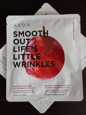 Avon Smooth Out Life's Little Wrinkles Smoothing Sheet Mask for Sale in Cypress, CA
