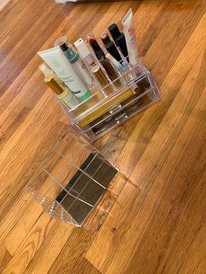 Two tier makeup organizer set (plus brush organizer) for Sale in Inglewood, CA