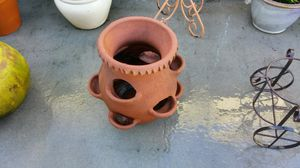 Flower pot for Sale in Tarpon Springs, FL
