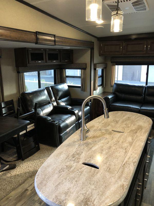Grand design reflection 337 fifth wheel travel trailer rv camping