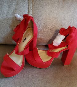 Red Heels Sandals Wrap for Sale in Austin,  TX