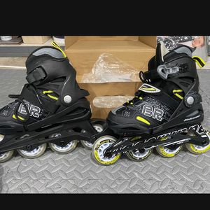 Children Brand New Skates With Knee And Elbow Pads for Sale in Miramar, FL