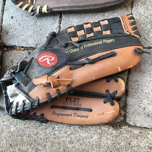 Softball glove for Sale in Fontana, CA