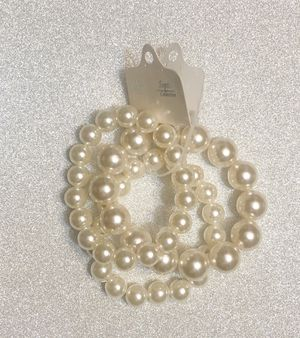 New Never Worn Fashion Pearl Bracelets for Sale in Fort Washington, MD