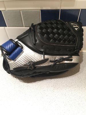 Mizuno 11inch leather Baseball glove for Sale in Portland, OR