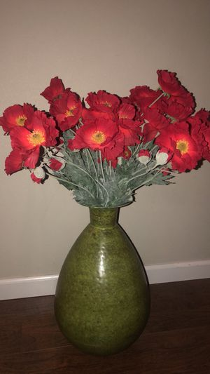 Large green vase with flowers for Sale in Tacoma, WA
