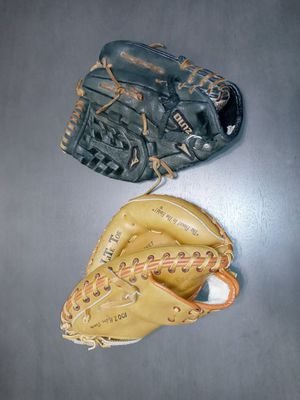 Baseball gloves for Sale in Anaheim, CA