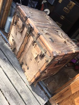 Antique 1880s Steamer Trunk for Sale in Tulsa, OK