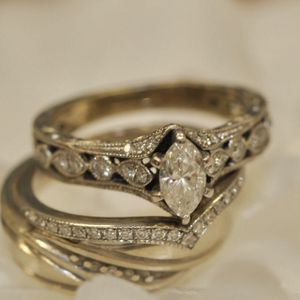 Size 6 Womans Wedding Rings- Bridal set for Sale in St. Petersburg, FL