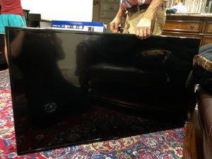 """Samsung 55"""" LCD HDTV UN55J620D for Sale in Laguna Beach, CA"""