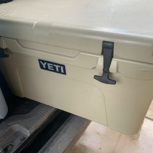 Yeti Cooler for Sale in Glendale, AZ