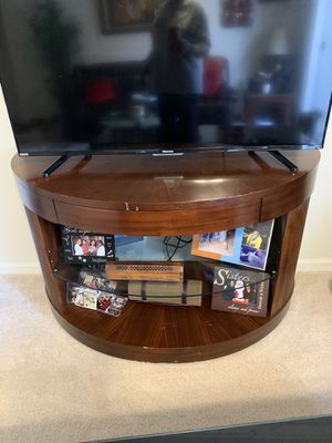TV stand with drawer for Sale in Richmond, VA