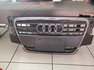 2009-2012 audi a4 front grill OEM for Sale in Miami, FL