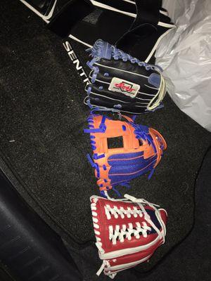 Soto 12 inch Merica Trapeze softball glove for Sale in Hazard, CA