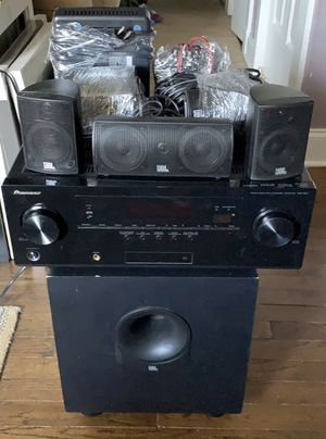 Pioneer Stereo Receiver VSX-821-k & JBL 5.1 Surround Sound Cinema Speakers and Subwoofer for Sale in Orlando, FL
