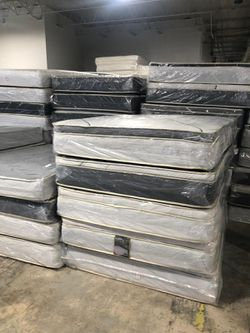 full pillow top mattress with boxspring for Sale in Gardena,  CA