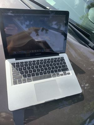 MacBook Pro 2012 2.5Ghz 4gb ram and 500 gb hard drive works perfectly fine comes with charger and has latest MacOS for Sale in Hialeah, FL
