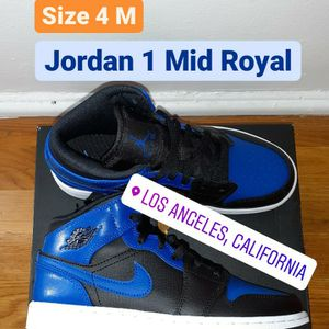 *New* Jordan 1 Mid - Royal ( Size 4 M) for Sale in Los Angeles, CA