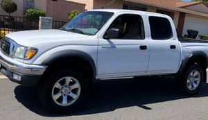 MECHANICALLY SOUNDS GREAT 2003 TOYOTA TACOMA for Sale in Wichita, KS