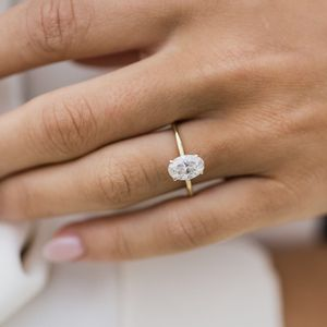 1 CT Moissanite Dimond Oval Cut High Clarity- 18k Gold for Sale in Los Angeles, CA