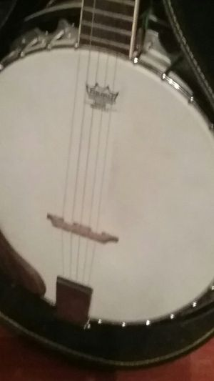 Banjo with a Hard Shell case for Sale in Harmony, NC