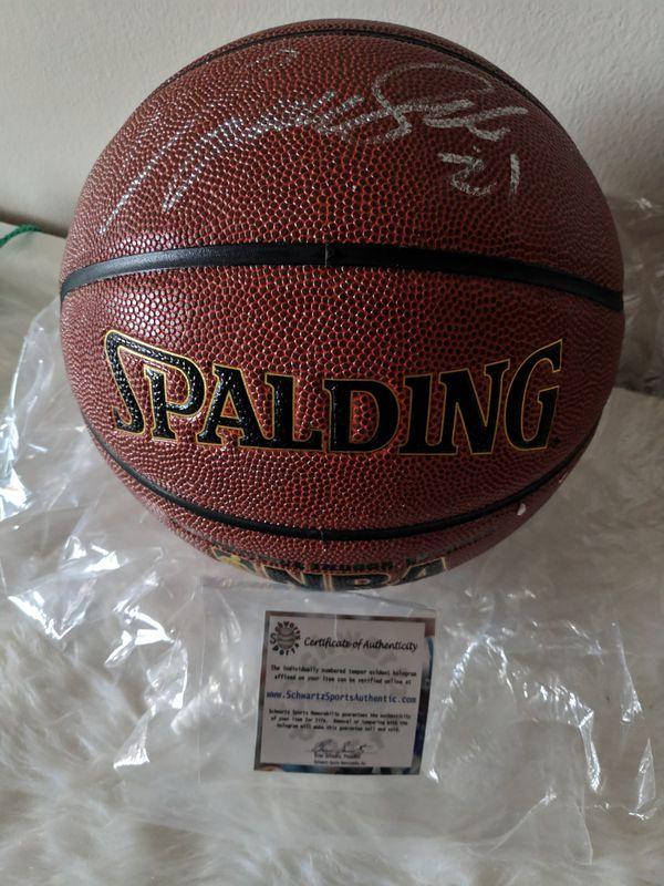 *Super Rare, Atlanta Hawks* Dominique Wilkins Autographed Basketball with COA