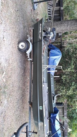 Alumacraft 14/36 with a 22hp backwater for Sale in Crosby, TX