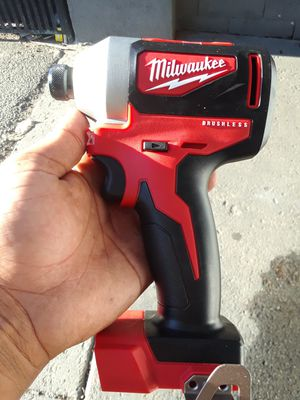 MILWAUKEE M18 IMPACT 1/4 BRUSHLESS for Sale in Imperial Beach, CA