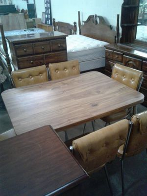6 CHAIR KITCHEN TABLE SET!!! for Sale in NC, US