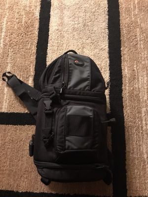 Lowepro Dslr camera bag will fit almost any dslr body from canon to nikon for Sale in Philadelphia, PA