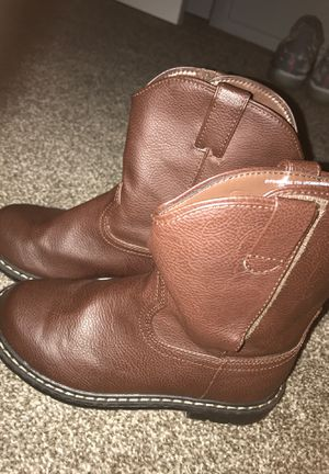 Girls Cowgirl Boots / Size 1 Women's Grade School for Sale in Kissimmee, FL