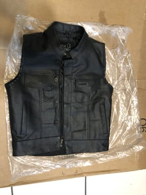 BRAND NEW Motorcycle Leather Vest for Sale in Miami, FL