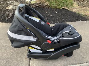Graco infant car seat w/base (NEW) for Sale in Fairfax, VA