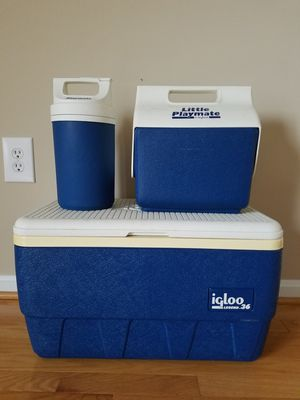 *Like New* Igloo - chest, playmate, and cooler for Sale in Chantilly, VA