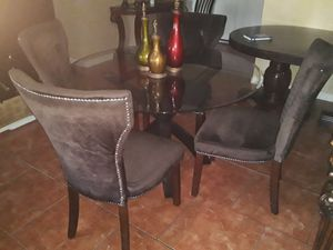 GLASS KITCHEN TABLE AND CHAIRS for Sale in Phoenix, AZ