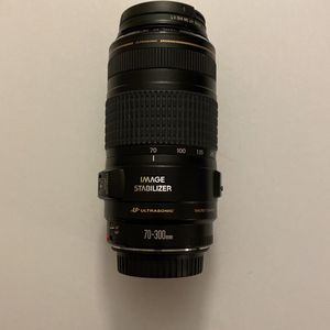 Canon EF 70-300mm f/4-5.6 IS USM Lens for Sale in Hialeah, FL