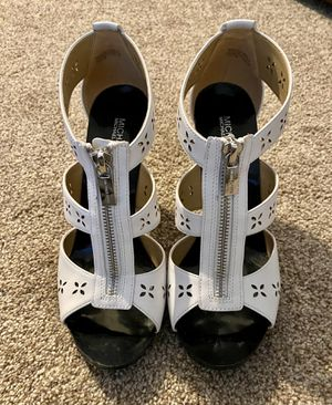 Women's Michael Kors white leather sandals size 7 1/2 for Sale in Brick Township, NJ