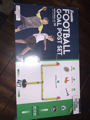 FRANKLIN FOOTBALL GOAL POST SET with BALL & TEE (NEW!) for Sale in MD, US