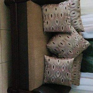 Brown Furniture , Traditional Style for Sale in Hialeah, FL