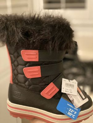 Brand New Winter Snow Boots Size 11 for Girls for Sale in Fontana, CA