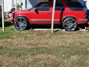99 chevy blazer on 24s dubs & low miles for Sale in Indianapolis, IN