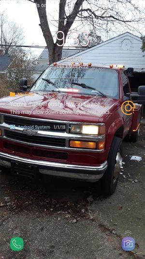 REPO TRUCK , GAS 464 MOTOR for Sale in Detroit, MI