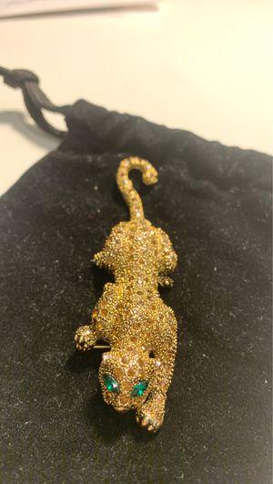 Vintage gold colored Jaguar 🐆 brooch with green eyes for Sale in El Segundo, CA