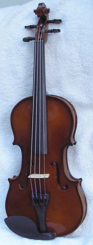 1/4 Carlo Robelli Violin for Children for Sale in Chadds Ford, PA