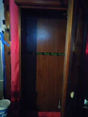 Antique locking gun cabinet for Sale in Imperial, MO